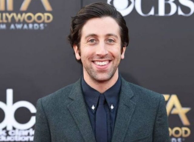 Simon Helberg Wife, Net Worth, Height, Daughter, Family, House, Bio