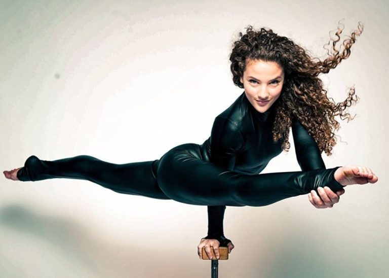 Sofie Dossi Bio, Age, Height, Brother, Does She Have A Boyfriend?