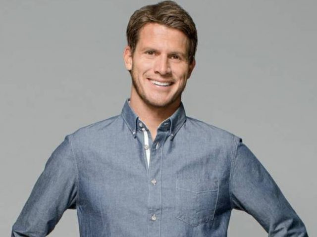 Daniel Tosh Wife, Married, Gay, Girlfriend, Net Worth, Wiki, Height