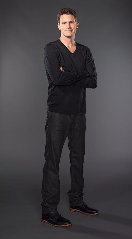 Daniel Tosh height is 1.91 m - 6 feet 3 inches