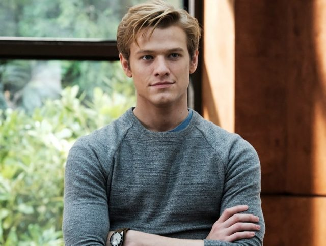 Lucas Till Macgyver Star Bio Girlfriend Relationship With Taylor Swift Miley Cyrus Celebion