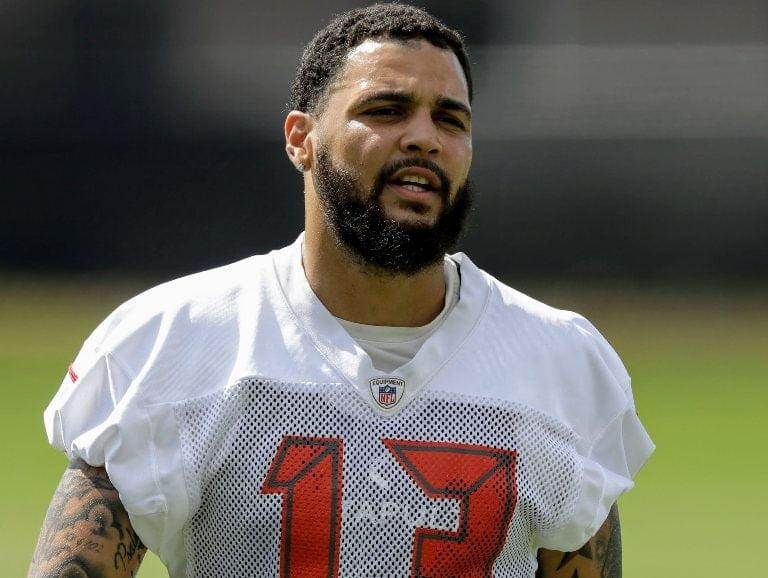 Mike Evans Wife Father Brother Uncle Age Height Weight Bio Celebion