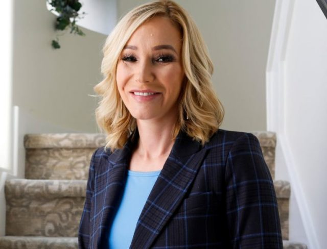 Paula White Net Worth, Husband, Relationship With Trump and Benny Hinn