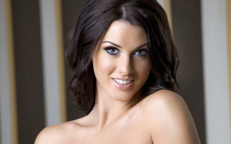 Alice Goodwin Bio – 5 Interesting Facts You Must Know About The Model